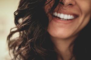 Los dientes representan en los sueños nuestra apariencia y nuestra seguridad