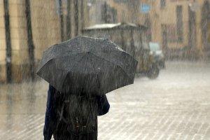 ¿Qué significa soñar con lluvia? Descubre sus mensajes en nuestro diccionario de sueños