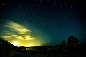¿Cuál es el significado de soñar con lluvia de estrellas? Se te cumplirán todos tus deseos.