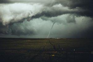 Soñar con un tornado merece toda tu atención: es un sueño premonitorio