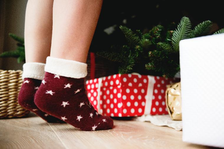 Encuentra aquí los mejores regalos de Navidad para mujer según su signo del zodiaco