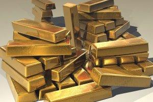 Nicolas Flamel aprendió a convertir en oro el plomo