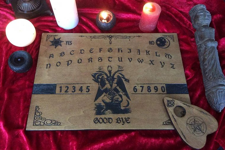 ¿Qué es la Ouija? Descubre el más famoso de los juegos paranormales
