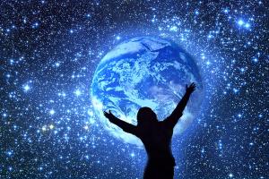Según la ley de la atracción tu mente atrae las energías del universo a tu favor