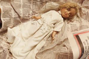 Muñecos diabólicos: qué son (y 5 historias reales muñecos que se mueven solos)