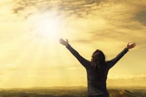 Un curso de milagros (UCDM): así el libro que dictó Jesucristo