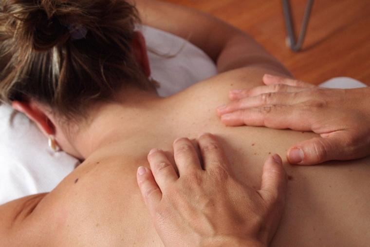 Cómo curar con las manos: el poder de sanar con la mente
