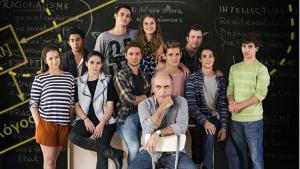 Imatge del professor Merlí i altres personatges de la sèrie