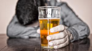 Una de cada cinc persones fa un consum de risc d'alcohol sense ser-ne conscient