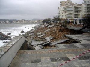 Conseqüències d'un fort temporal de mar a la costa