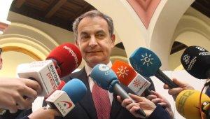 José Luis Rodríguez Zapatero davant els mitjans