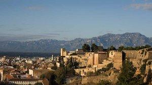 Vista de Tortosa amb el Castell de la Suda