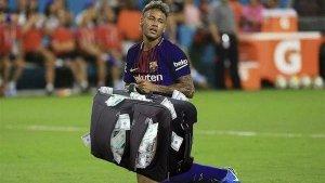 Un 'meme' de Neymar amb una maleta plena de bitllets, fent referència a la gran quantitat de diners que val el seu traspàs.