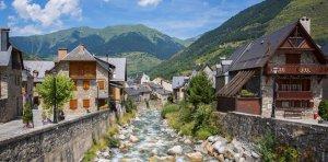 Natura i ciutat es varregen a la perfecció a Vielha.