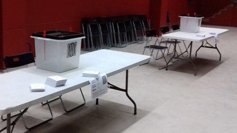 Imatge de l'interior d'un punt de votació
