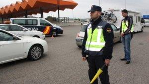 Imatge dels controls policials a la frontera amb França.