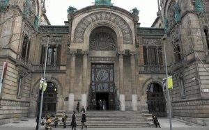Imatge d'arxiu de la façana de l'Audiència Provincial de Barcelona