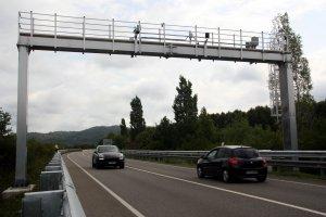 Imatge d'arxiu d'un dels radars de tram situats a la variant de Girona