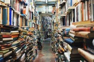 Alguns llibres amaguen coneixements foscos que no haurien d'arribar a mans equivocades