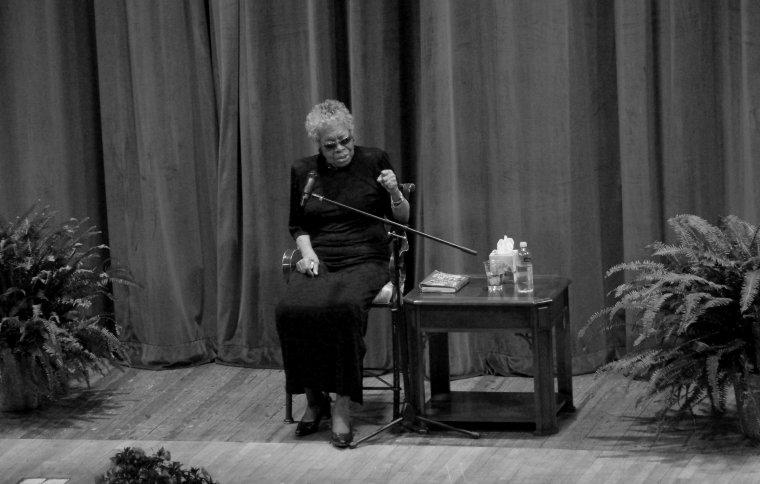 Maya Angelou va ser molt activa en la defensa dels drets de les dones