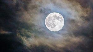 Aquesta nit tindrem lluna plena
