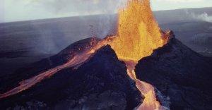 Imatge d'una de les erupcions del volcà Kilauea