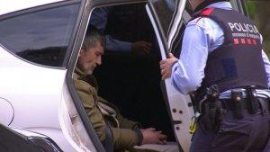 Jordi Magentí, el presumpte autor del crim de Susqueda, en un cotxe de Mossos.
