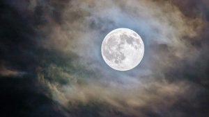Aquesta nit tindrem la lluna plena de juny
