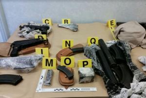 Imatge de les armes intervingudes durant l'operació a diversos punts d'Europa.