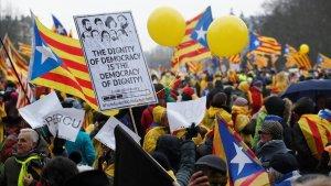 Una concentració a Barcelona en contra dels empresonaments dels polítics catalans