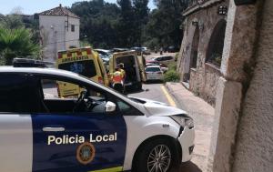 Dos agents han resultat ferits després de la persecució de l'home, de 28 anys.