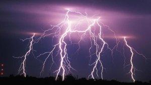 Els ruixats i les tempestes seran freqüents a molts punts aquest dilluns