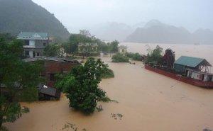 Greus inundacions al Vietnam a causa de les pluges