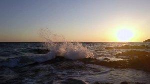 Mar alterat avui al Port de la Selva per la tramuntana que hi bufa