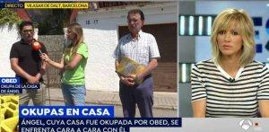 Susanna Griso mentre es duia a terme l'entrevista amb l'okupa i el propietari de l'habitatge a Vilassar de Dalt