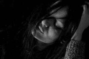 T'expliquem com es poden diferenciar els sentiments de tristesa de la depressió