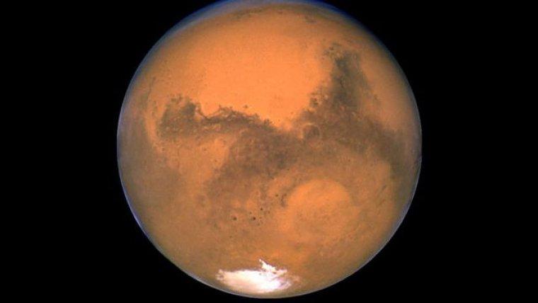 Els experts porten anys buscant aigua i vida a Mart