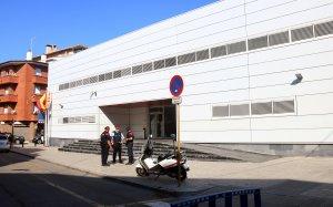 Imatge exterior de la comissaria dels Mossos de Cornellà, on es va produïr l'atac terrorista.
