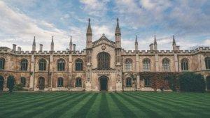 L'elecció de la carrera universitària és una decisió molt rellevant
