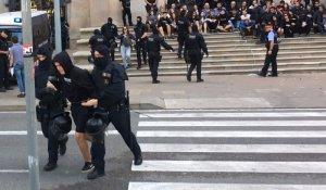 Els Mossos desallotgen els membres del CDR