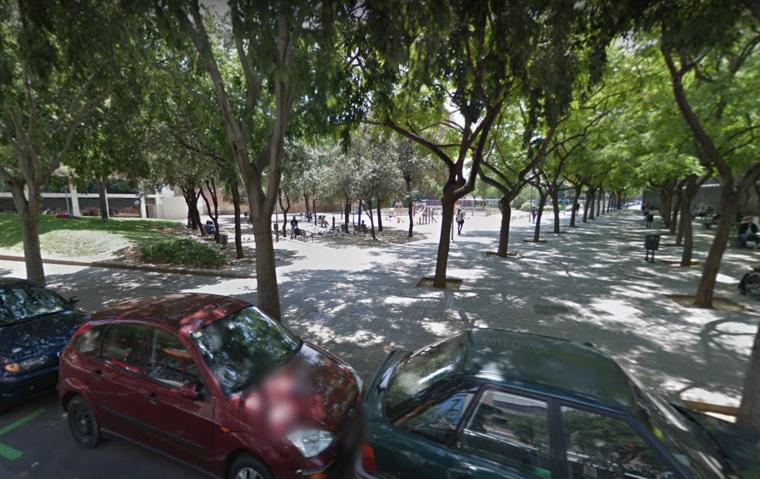Imatge dels Jardins de Màlaga, des del carrer de Nicaragua, a Barcelona, lloc del crim.