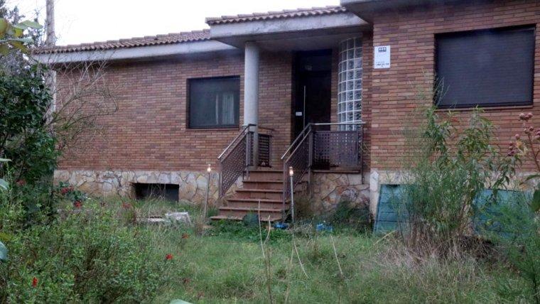 La casa on els Mossos van trobar el cos de la dona de Sils