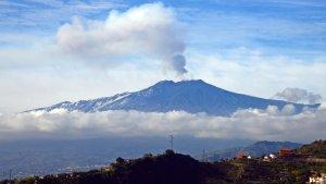 El volcà Etna s'erosiona i pot caure sobre el Mediterrani provocant un tsunami
