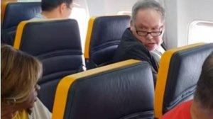 L'home britànic que ha insultat la dona mentre els passatgers pujaven a l'avió de Ryanair
