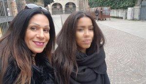 Annie Eto'o, a la dreta, amb la seva mare Anna Maria Barranca.