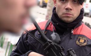 Els Mossos han incrementat la presència policial al barri del Raval per lluitar contra els narcos.