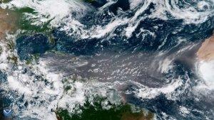 Els forts corrents d'aire interplanetaris arrosseguen grans de sorra sorprenentment grans cap al Carib