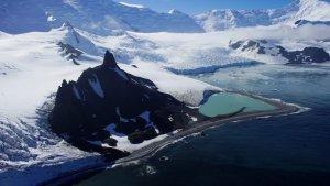 Neva més al continent antàrtic però seguiex fonent-se més gel del que es recupera