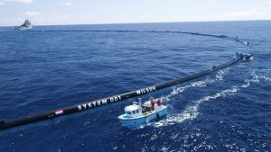 Imatge de la barrera que havia de netejar de plàstics el Pacífic