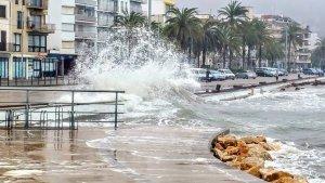Protecció civil ha activat un pla de precació per a poder combatre les fortes onades que s'esperen a l'Empordà
